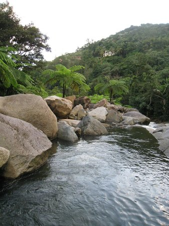 Casa Cubuy Ecolodge: The river that's on the private property at Casa Cubuy