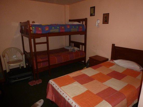 El Manzano Lodge: chambre triple