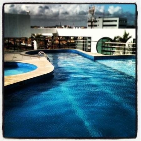 Best Western Premier Maceio : piscina na cobertura