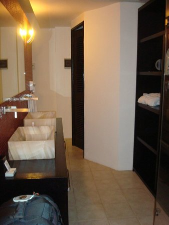 In Fashion Hotel Boutique: Bathroom and storage/closet