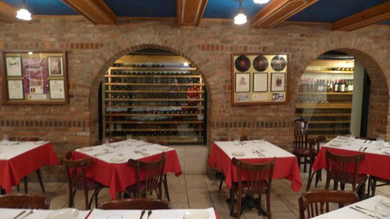 Grotta Azzurra : Caruso room and wine cellar.