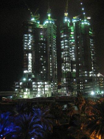 Sheraton Abu Dhabi Hotel & Resort: vista dei cantieri