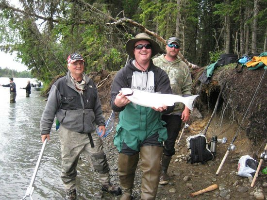 Alaska Fishing & Lodging: Fisherman and Guides
