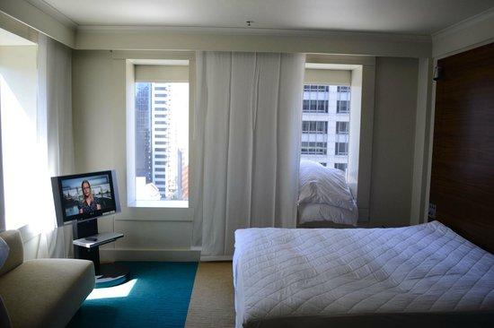 Hilton Sydney: bed room 2008