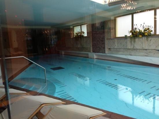 Hotel Piz Galin : Piscina