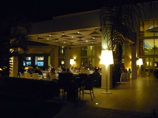Secrets Silversands Riviera Cancun: The Veranda bar