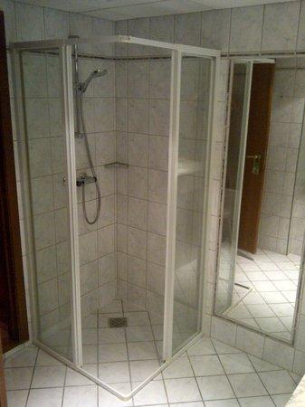 Thon Hotel Bristol Stephanie: La douche
