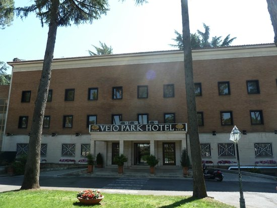 Veio Park Hotel : Front door.