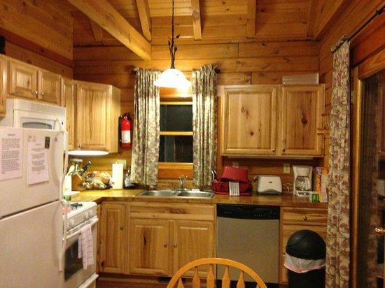 Cobtree Vacation Rental Homes Resort: Fully stocked kitchen