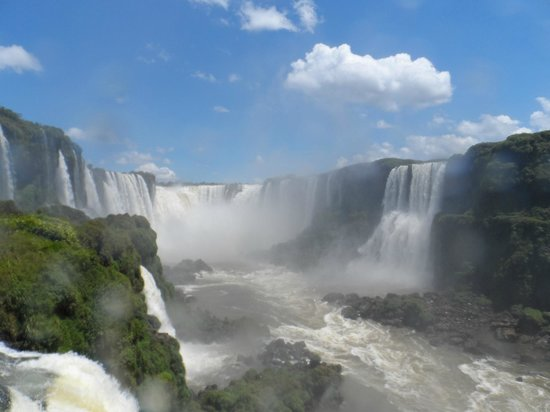 Belmond Hotel das Cataratas: Argentinian side of waterfalls