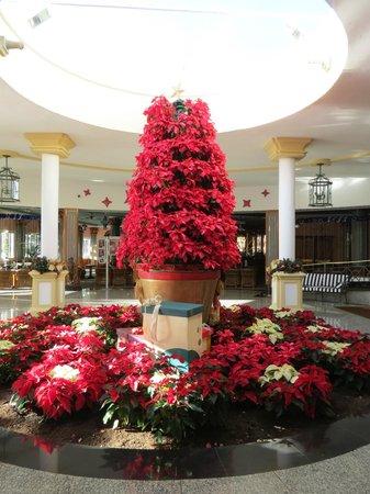 Hotel Riu Palace Meloneras Resort: Bereich zwischen Bar und Esszimmer