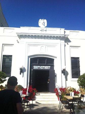 South Street: da fuori