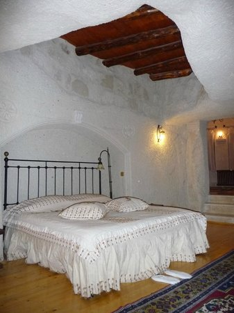 Aydinli Cave Hotel: Bedroom of Room/Suite #3.