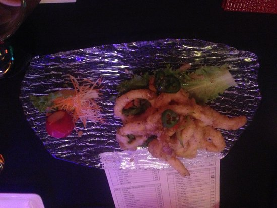 East Moon Asian Bistro: Calamari is spicy but very good