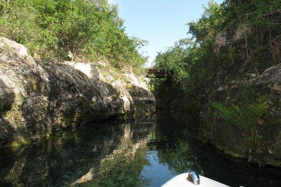 Banyan Tree Mayakoba: Lagoon winding through resort