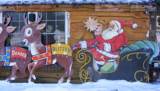 Mountain Brook Lodge: Santa from the 1960's!