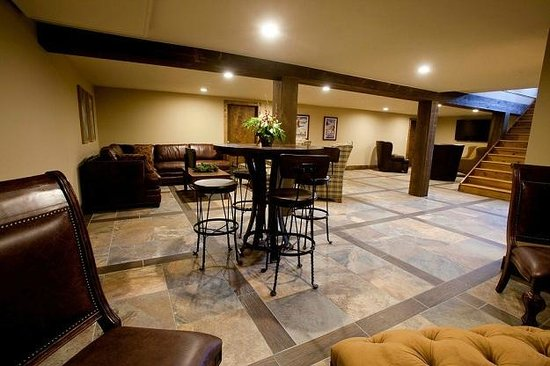 The Nordic Inn: Multi-function space - perfect for group or family functions