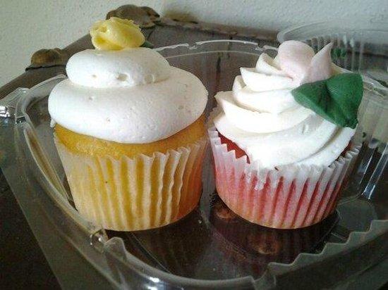 Patty Cakes Bakery: Lemon and Strawberry Cupcakes