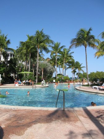 Hyatt Beach House Resort: Pool area - fantastic if chillin' is your primary vacation goal!