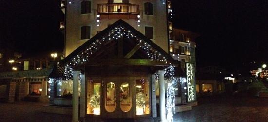Hotel Paganella: fronte hotel