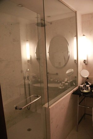 The Westin Valencia: Bathroom