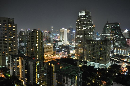 Rembrandt Hotel Bangkok: View from the terrace on the top floor at the Indian Restaurant