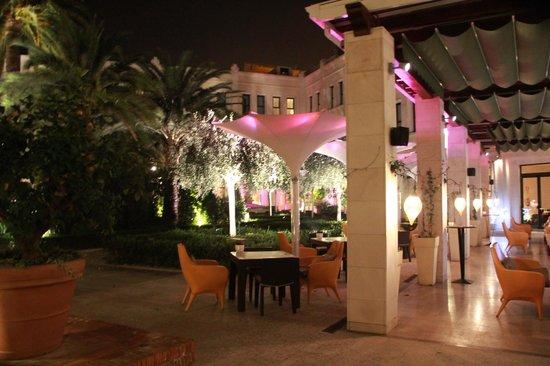 The Westin Valencia: Courtyard and Garden