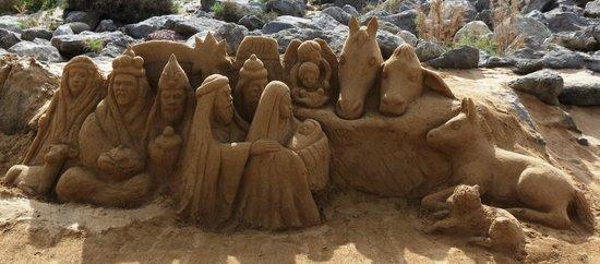 El Faro de Maspalomas : Sandskulptur in der Nähe des Faro (Dezember 2012)
