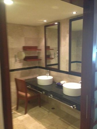 Grand Riviera Princess All Suites Resort & Spa: Bathroom