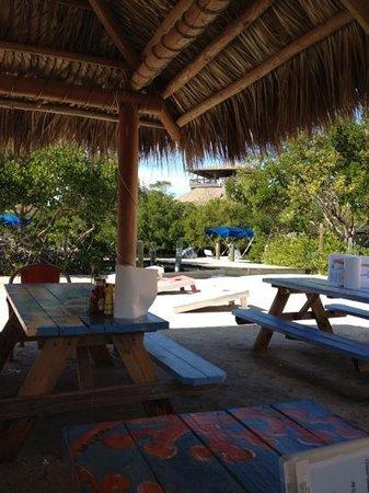 Barnacle Restaurant: Island style