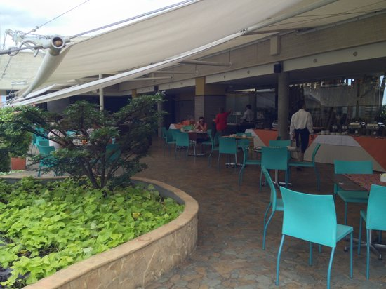 Diez Hotel Categoria Colombia: roof top breakfast area