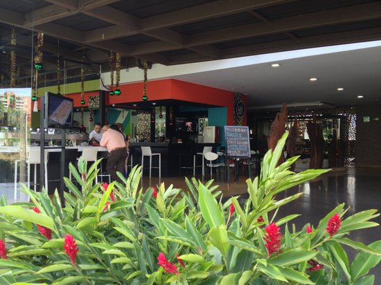 Diez Hotel Categoria Colombia: from the outside (sushi bar)
