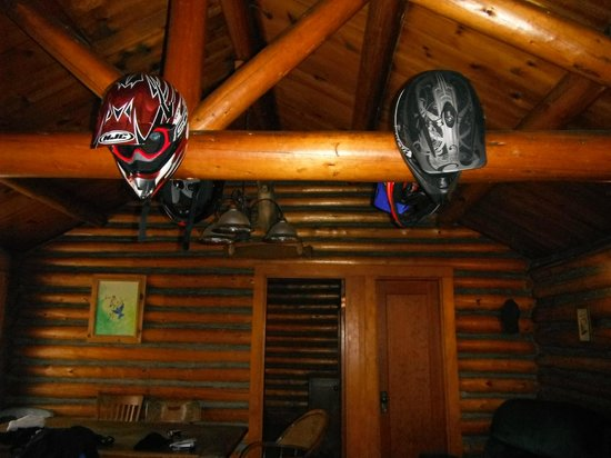 Paulina Lake Lodge: inside the cabin, helmets are hanging on deer hooves :P