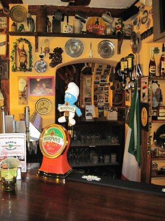 Hotel zur gold'nen Krone: Inside the Irish Pub