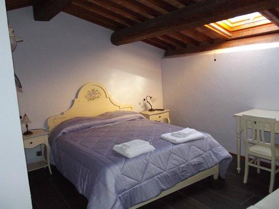 Relais La Leopolda: camera in mansarda
