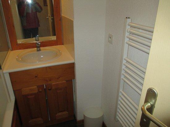 Pierre & Vacances Residence Les Valmonts: Bathroom