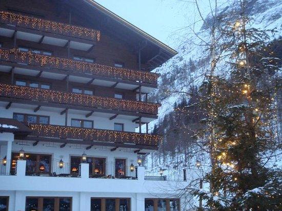 Hintertux, ออสเตรีย: Façade côté glacier