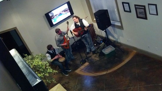 Tall Tales Brewing Company : Cap'n Blue's Grass Band