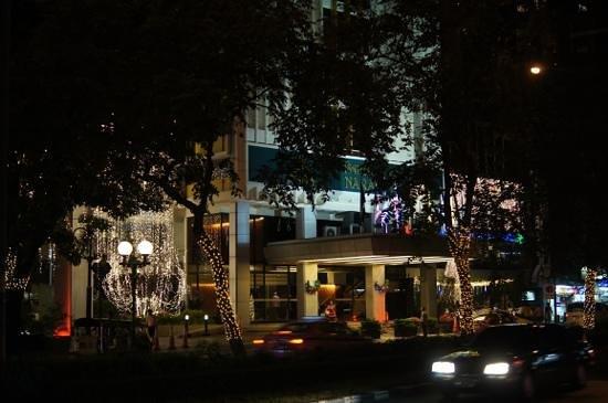 Narai Hotel 玄関