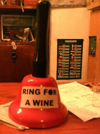Hostel Empedrado: A free glass of wine every night