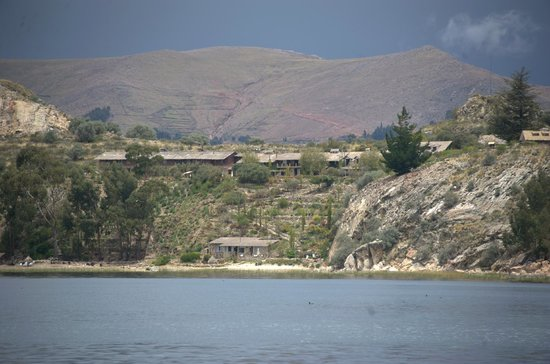 Isla Suasi: View of the lodge from the boat