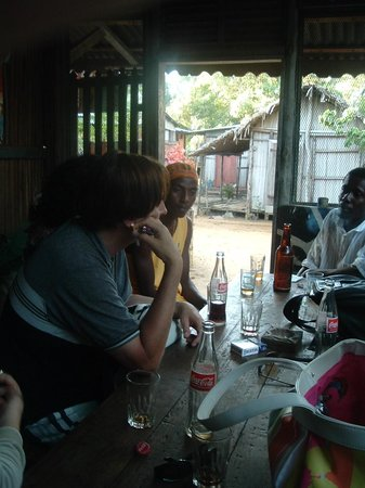 Domaine Manga Be : Détente au bar...