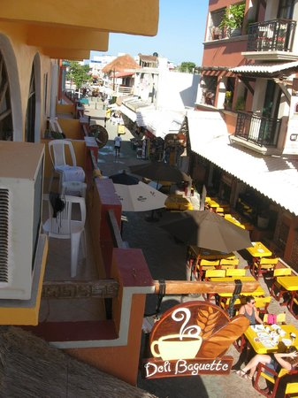 Hotel Bucaneros Hotel & Suites: Vialetto Principale