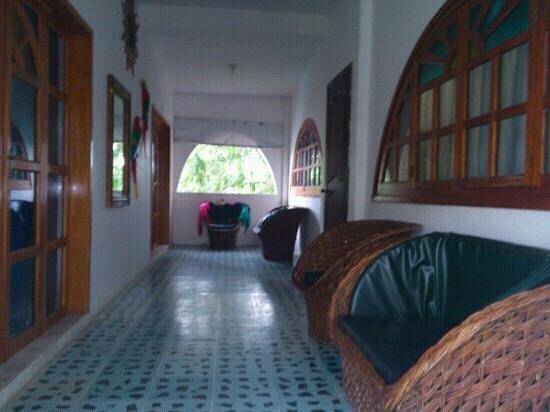 Hotel Victoria: entrada a las habitaciones
