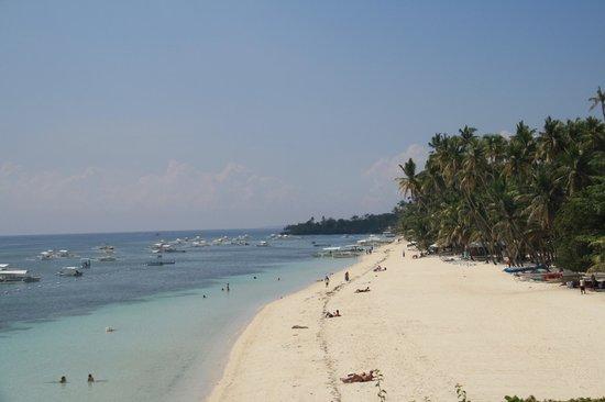 Amorita Resort: View of Alona Beach from the resort.