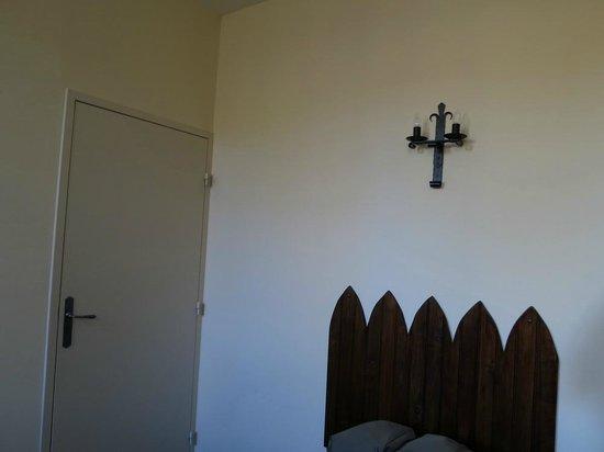Chateau des Ducs de Joyeuse: Tipo de iluminación de la habitación