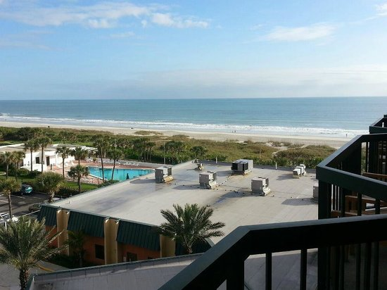 DoubleTree by Hilton Hotel Cocoa Beach Oceanfront: Room 618 view
