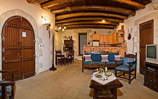 Villa Aloni: Inside