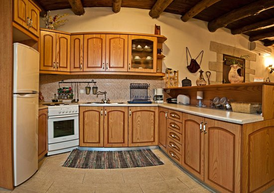 Villa Aloni: Kitchen