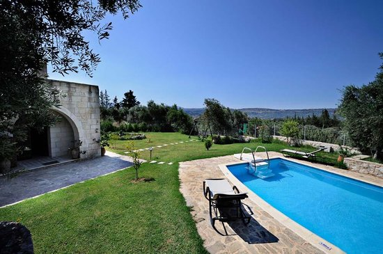 Maza, Yunanistan: Waterpool-Villa Aloni